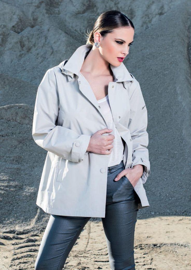 Eider-down Linda's mod.5001 - New Collection 2016. Follow us: www.lindas.it   #jacket #downjacket #eiderdowns #women #girl #newcollection #spring #summer #fashion #fashionstyle #italianstyle #fashionwoman #jackets #musthave #pinterest #followus