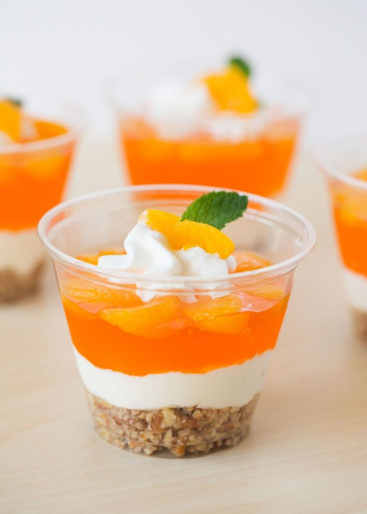 Sweet and salty, these cute No Bake Mandarin Orange Pretzels Parfait cups pack a little crunch, too!