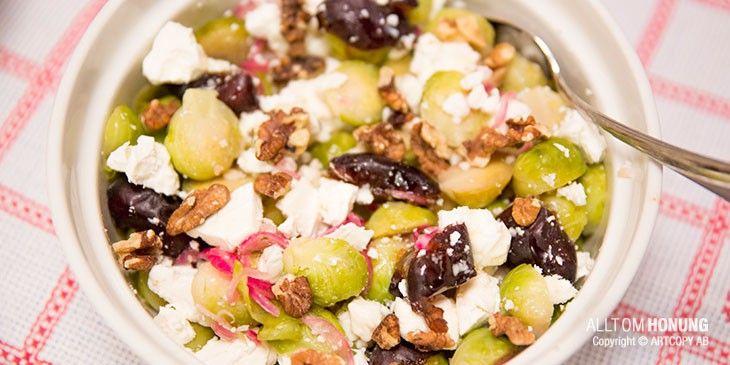 Recept på sallad med fetaost, brysselkål och honung