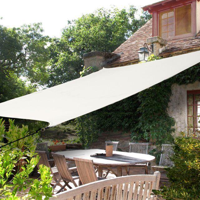 Voile d'ombrage rectangulaire IDEANATURE : prix, avis & notation, livraison. Cette voile d'ombrage rectangulaire est déperlante et traitée contre les UV. Elle permet de couvrir élégamment votre terrasse ou un coin de jardin. CARACTÉRISTIQUES VOILE D'OMBRAGE :- Voile traitée anti UV et déperlante- Voile en 100% polyester densité 160 g/m²- Livrée avec 4 cordes Ø 0,6 cm x long. 150 cm.- Dim. de la voile : 2,9 m x 4 m.