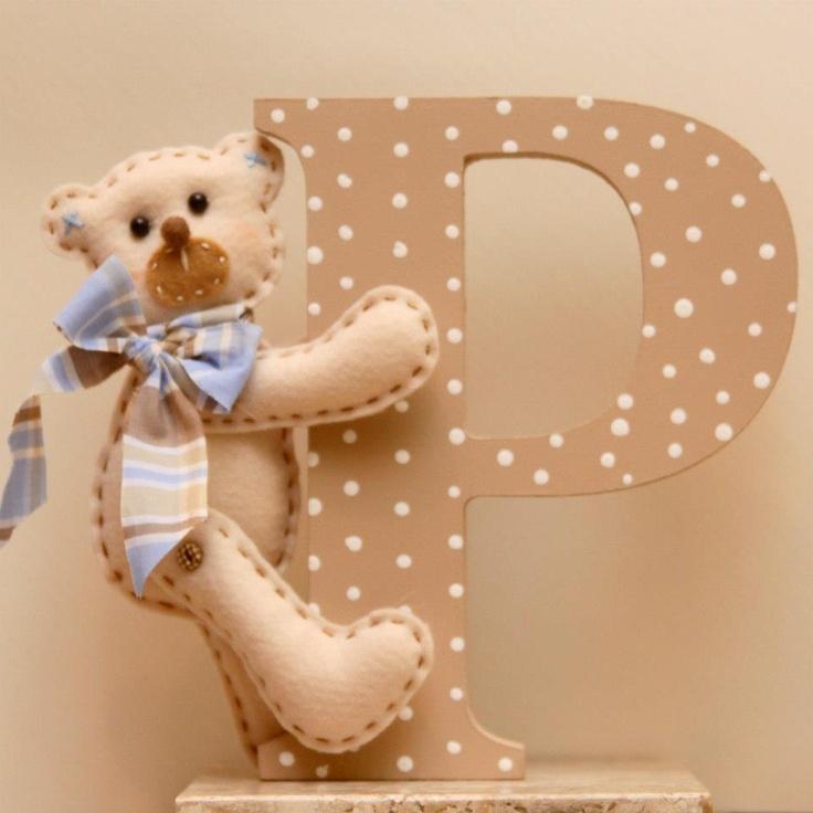 Letra para decoração - Pedro.