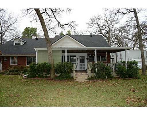 44 GOLFVIEW DR HILLTOP LAKES TX 77871 List Price 229000