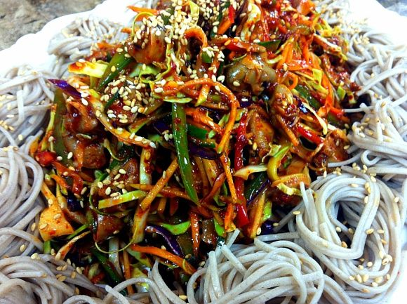 Golbaengi Muchim 골뱅이 무침 - Spicy Bai Top Shell Salad