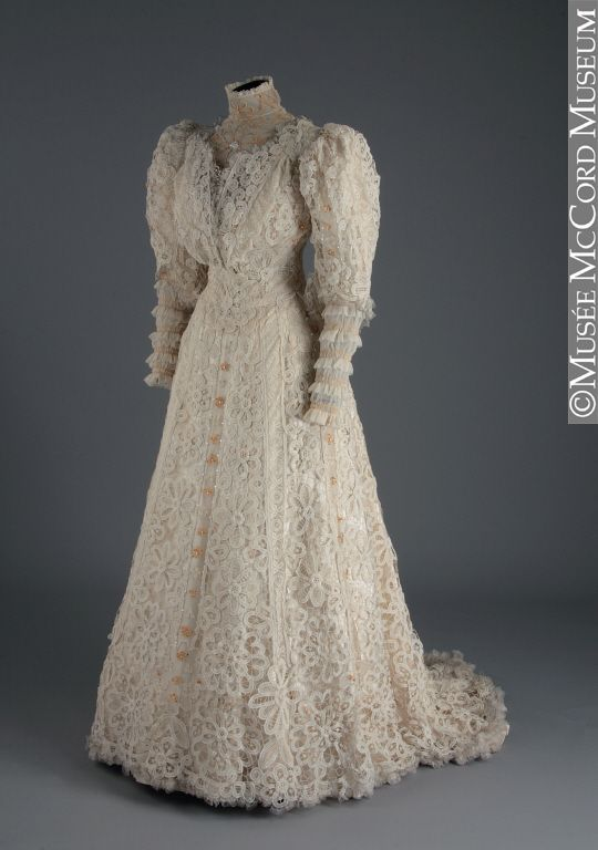 Wedding dress 1907. This totally screams Anne Shirley to me.
