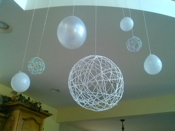 Big yarn lantern and white balloons | Yarn lanterns, White ...