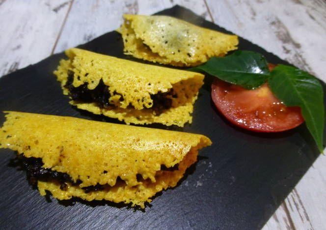 Canapé de galleta de queso y morcilla