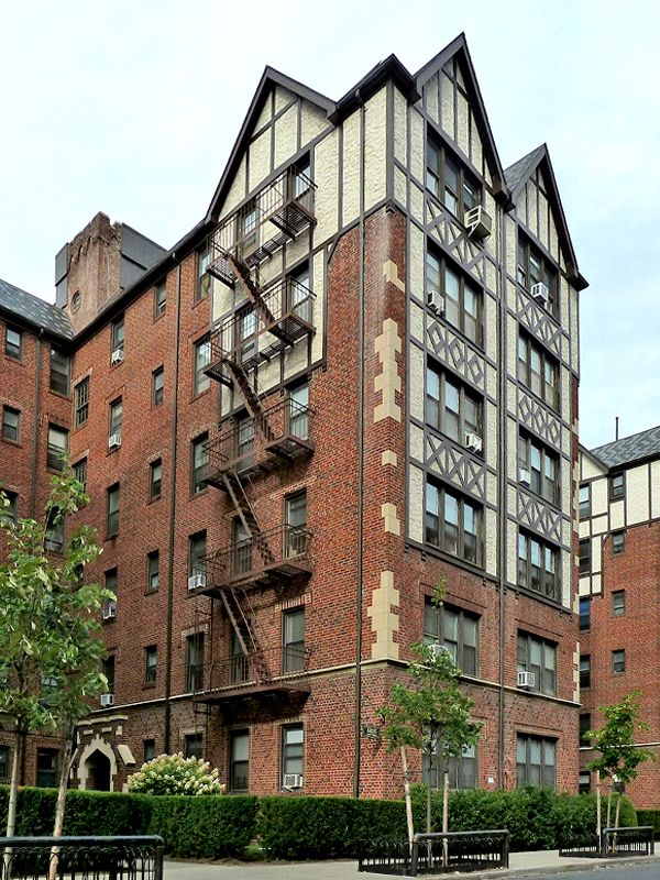 New York City Boroughs Queens 68 35 Burns Street Forest Hills Gardens Forest Hills Gardens Forest Hills Nyc