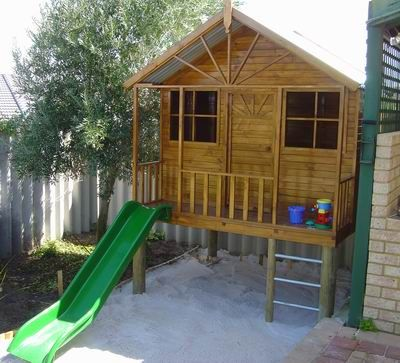 Wonder if we could retrospectively fit the new (2nd hand) cubby over the existing sandpit...