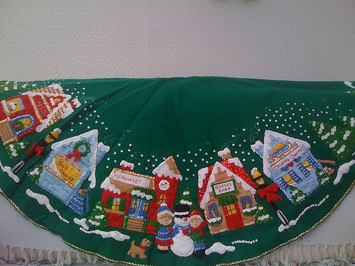 Mrs Twins: 'SHOW AND TELL' FRIDAY - My Christmas Village Tree ...