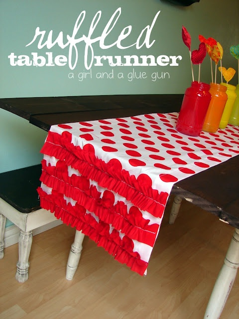 ruffled table runner...with a basic ruffle tutorial!