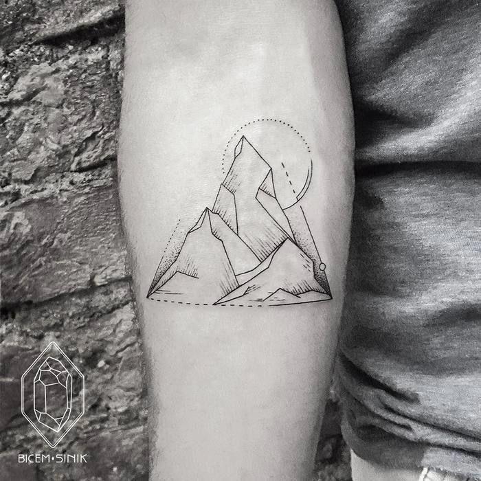 Geometric Mountain Tattoo von bicemsinik #Geometrictattoos