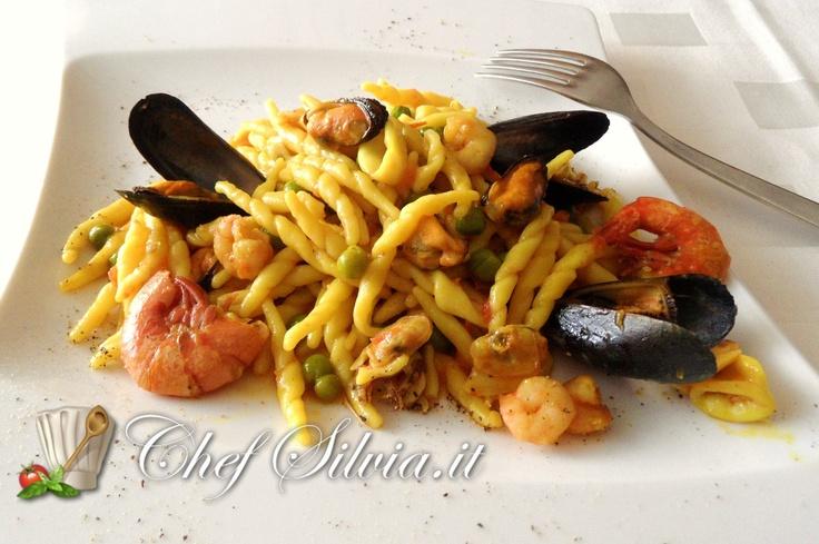 http://www.chefsilvia.it/ricette-pasta/item/trofie-ai-frutti-di-mare.html?category_id=208  Trofie ai frutti di mare  - trofie with seafood