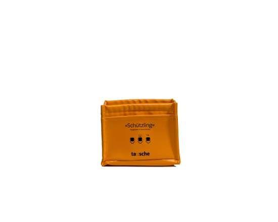 Unser kleiner Schützling polstert alles, was einem lieb und teuer ist: die kleine Kamera, den Taschenmusikabspieler oder das Diktiergerät. www.tausche.de