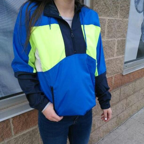 I need ice, ice baby to cool me down from how HOT this jacket is! #PlatosClosetCambridge #gentlyused #fashion #popofcolour #photooftheday // #UrbanOutfitters windbreaker, Size S, $30 //  | www.platosclosetcambridge.com