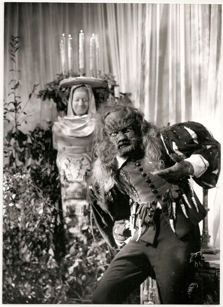 """Jean Marais - """"La Belle et la Bête"""" (1946) - Costume designers : Christian Bérard & Marcel Escoffier"""