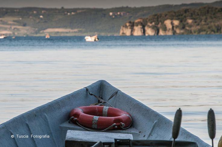 La caratteristica barca dei pescatori del Lago di Bolsena.   © Tuscia Fotografia