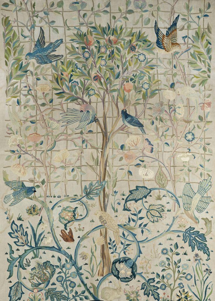 wall & rug inspiration via vintage william morris #timeless #design #interiors