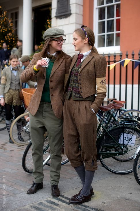 I want to dress like this all day erryday.  And I want to participate in the Tweed Run immediately.