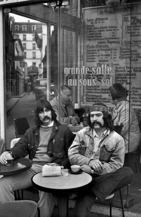 Henri Cartier-Bresson //  . Paris. Young people at Saint Michel. 1971.