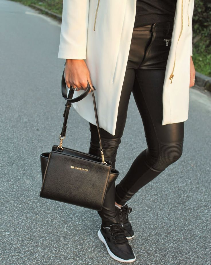 http://cookiesntrends.blogspot.pt/2015/02/white-coat.html