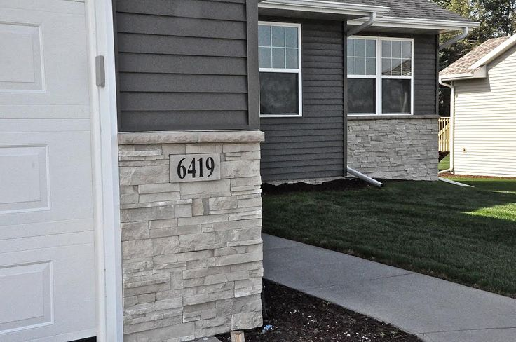 Best 25 stone veneer exterior ideas on pinterest faux for Stacked stone house