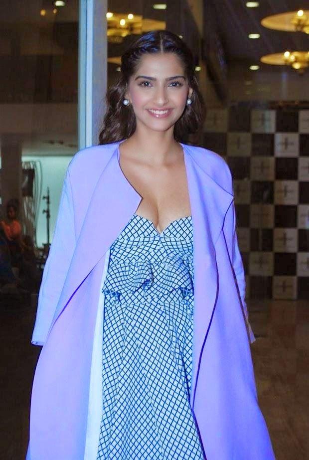 Sonam Kapoor Sexy Exposing Pics