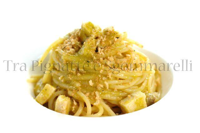 Spaghetti 'ammollicati' con pesce spada e crema di fiori di zucchine alla colatura di alici | Tra pignatte e sgommarelli