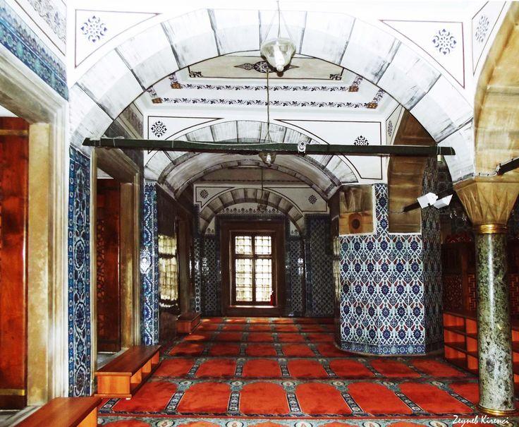 Rustempasa Mosque, Istanbul (November, 2015).  #mosque #ceramic #tile #tileart #architecture #art