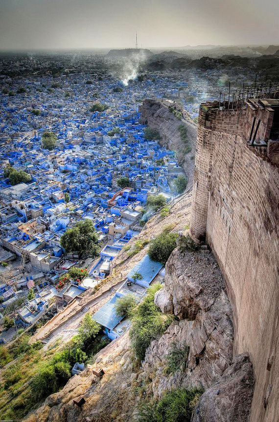 Чумовой индийский синий город и другие красоты в подборке от adme  В некоторых городах яркие краски стали визитной карточкой городской архитектуры.