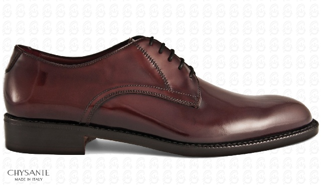 Mod. CASUAL DERBY  in lucid brushed calf leather  design with relief seams.  Sole and heel in hide.