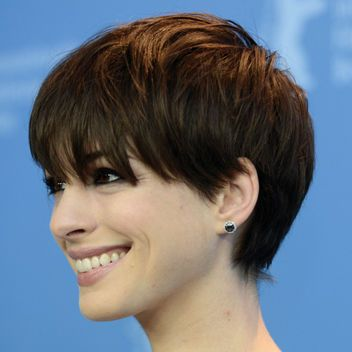 Anne Hathaway Has the Best Bangs I've Seen in a LONG Time