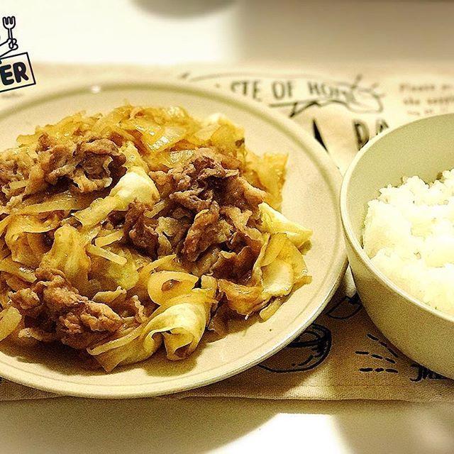 今夜はプルコギ。 もちろんタレはコストコのプルコギのタレ。 #晩ごはん #晩飯 #夕食 #夕飯 #夜ごはん #ディナー #プルコギ #豚肉 #肉 #キャベツ #玉ねぎ #もやし #ごはん #コストコ #プルコギのタレ #料理 #韓国 #韓国料理  #dinner #bulgogi #pork #beef #onion #rice #costco #cooking #korea #koreanfood