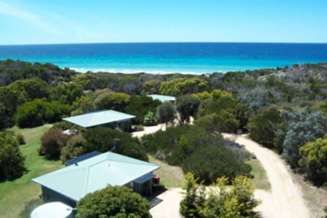 cheap okish very basic and private 560 3 nitesSandpiper Ocean Cottages, a Bicheno House | Stayz