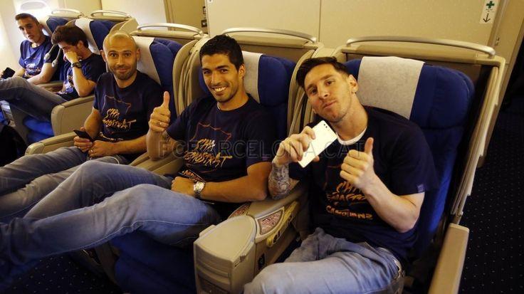 La vuelta a casa de los campeones de Liga | FC Barcelona