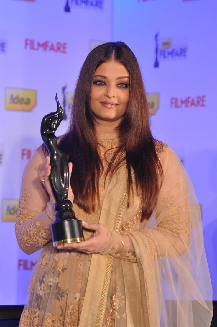 Aishwarya Rai Bachchan at 58th Filmfare Awards 2012 Announcement.