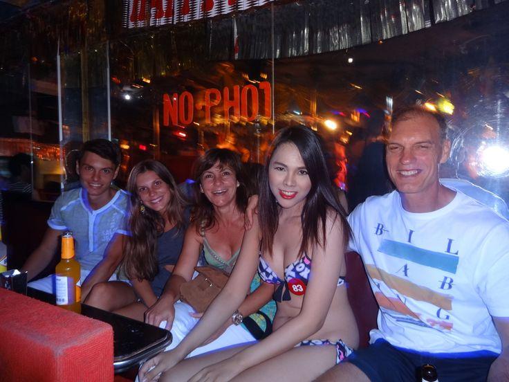 bangkok nightlife tour - http://www.barcrawlbangkok.com/