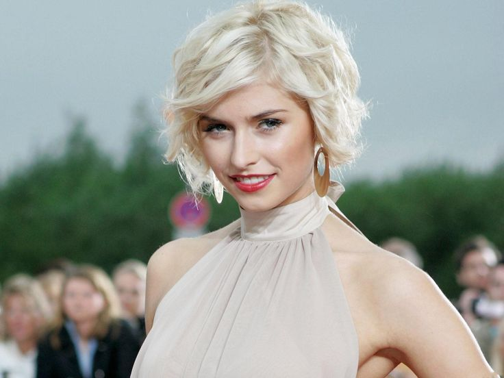 Beautiful TV Show Photo, Lena Gercke in White Hair and Red Lips ...