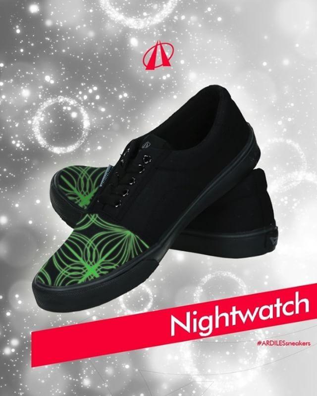 Nightwatch  ArdilesSneakers Lovers, cemas datang ke party dan lampu mati? No worry! Nggak perlu mati gaya kalau sneakers sudah disulap buat berbicara dalam gelap. Ini tips 'n trik dari @ArdilesSneakers:  https://www.instagram.com/p/BULXjizAHLr  Nah, kalau kalian lagi cari sneakers asik, yang desainnya bikin bangga, coba cek www.ardilesmetro.com. Cek sekarang! #GoForIt  #ardiles #ardilessneakers #sneakers #indonesia #madeinIndonesia #NaturalRubber #doodle #fashion