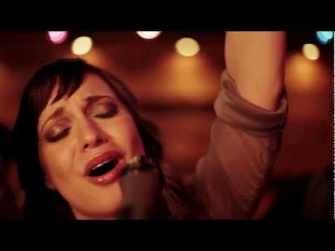 ▶ Christine D'Clario   Gloria en lo Alto   Video Oficial HD - YouTube