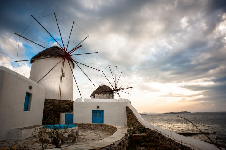 The famous windmills of #Mykonos! #KeyTours