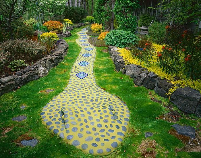SSSSnake Garden: Gardens Ideas, Awesome Snakes, Gardens Paths, Snakes Paths, Gardens Heavens, Education Gardens, Snakes Gardens, Future Gardens, Children Gardens