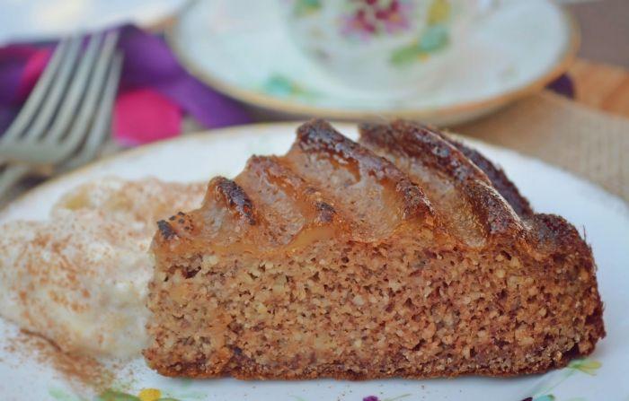 Almapürés mandulás sütemény