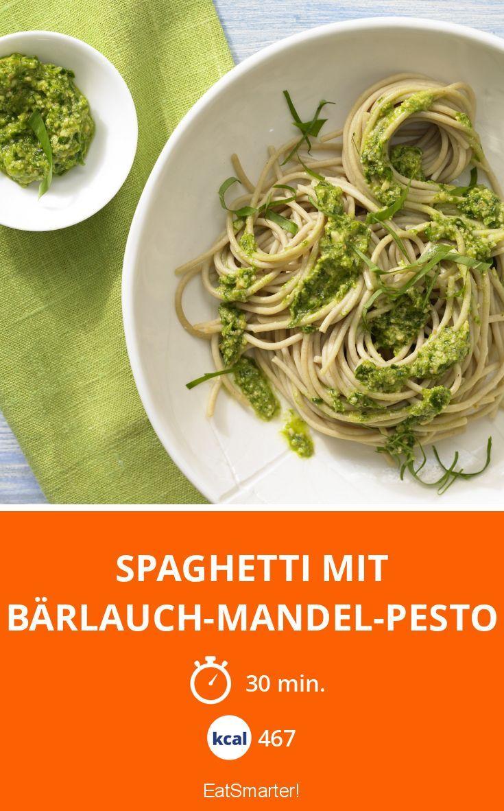 Spaghetti mit Bärlauch-Mandel-Pesto - smarter - Kalorien: 467 Kcal - Zeit: 30 Min. | eatsmarter.de