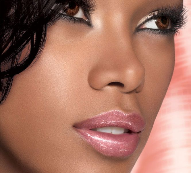 Model Jessica White for Maybelline Color Sensational Lip Gloss in Hooked On Pink. Makeup for dark skin.