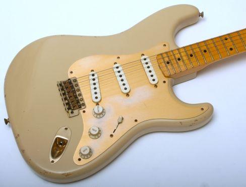 Fender Custom Shop '56 Stratocaster Relic (Desert Sand)