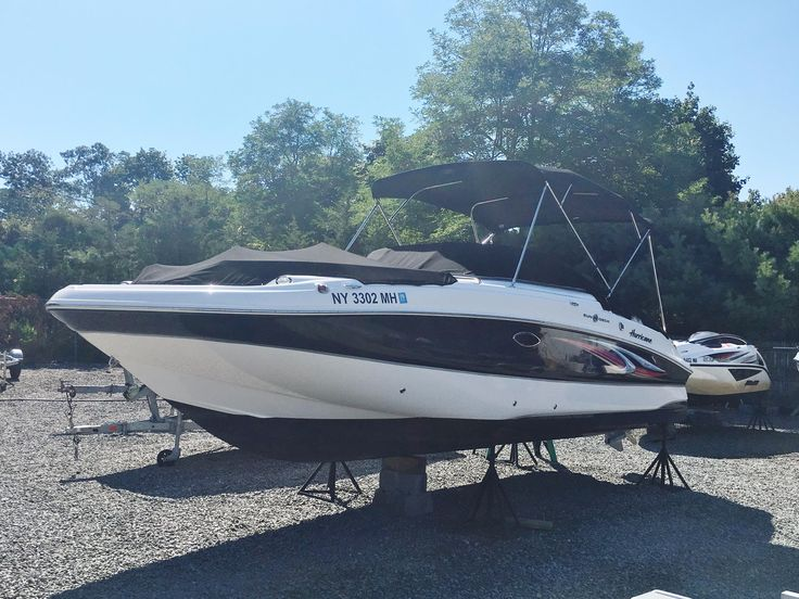 2011 Hurricane 2400 Sundeck OUTBOARD Power Boat For Sale - www.yachtworld.com
