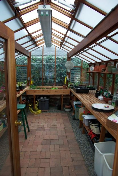 Gonna build one of these greenhouses one day.  Got the room for it, got the desire--just gotta find T&M--time and money.