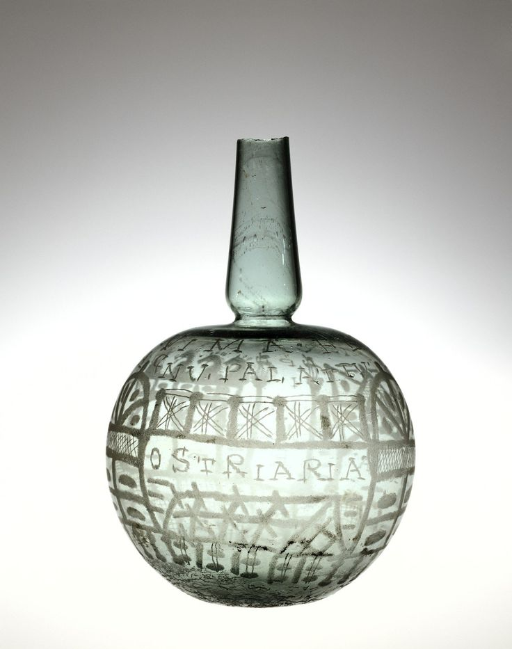 """The Populonia Bottle. 275-325. Scene with ostriaria, """"oyster beds""""."""