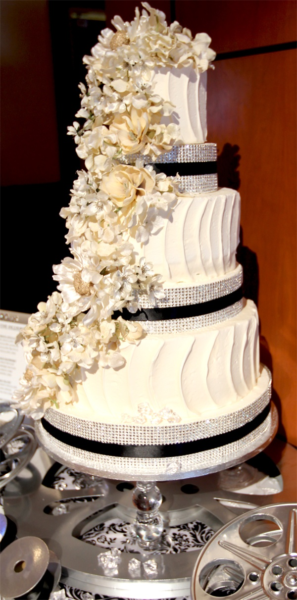 hollywood wedding cakes pictures 483 best images about black and white wedding cakes on 15274