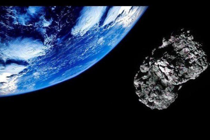 <p>04/02/2016/RT Actualidad/YR La NASA ha informado que el asteroide 2013 TX68 se acerca a la Tierra, el cual tiene características similares al meteorito que cayó en febrero del 2013 cerca de la ciudad rusa de Cheliábinsk. El asteroide denominado '2013…</p>